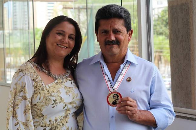 Prefeito Ivo Diniz, foi homenageado com a Medalha Alferes Tiradentes